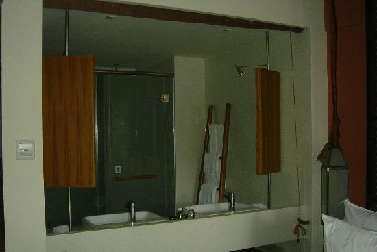 Ocean Sonic Resort: 浴室