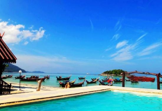 Lipe Power Beach Resort: POWER BEACH RESORT 游泳池