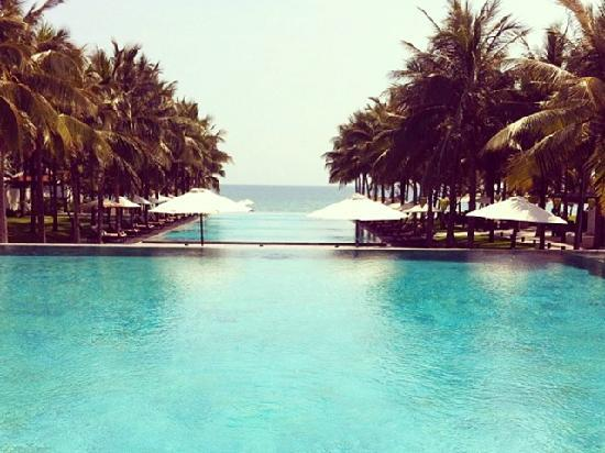 Four Seasons Resort The Nam Hai, Hoi An: 无边泳池