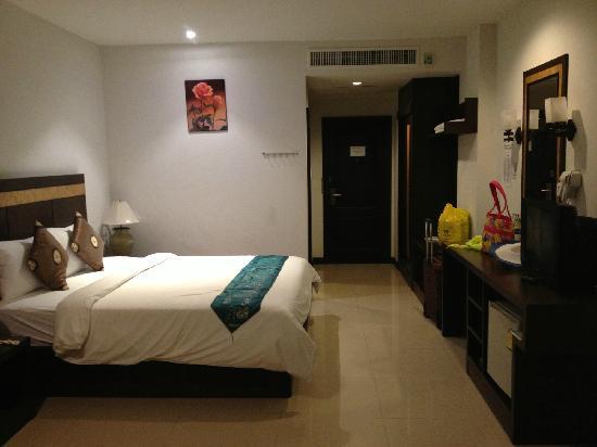 Amata Patong: 卧室