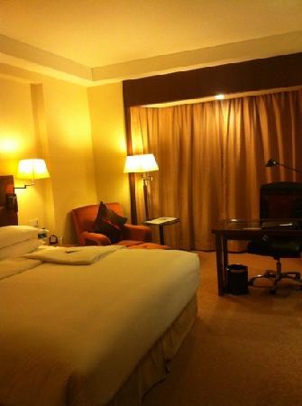 Shangri-la Hotel Shenzhen: 大床房