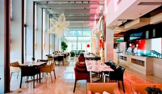 Gallery Hotel: 餐厅