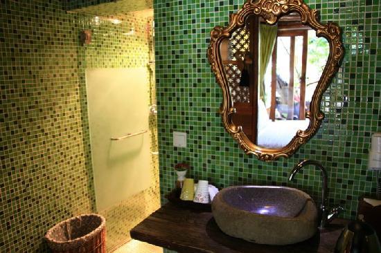 Wuer Inn: 卫生间