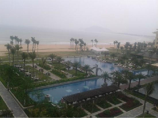 Sheraton Shenzhou Peninsula Resort: Beautiful Sea