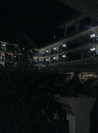 Angkor Era Hotel: 夜景照