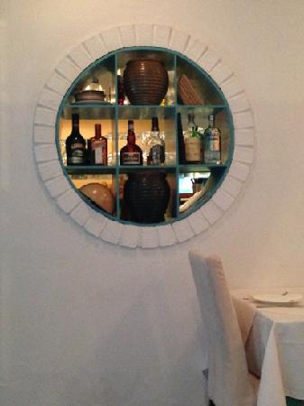 ShangHai Greece Restaurant (Hong Mei Road): 酒的种类一般哦