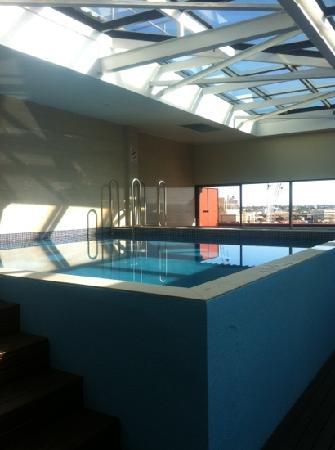 Sydney Central YHA: swimming pool