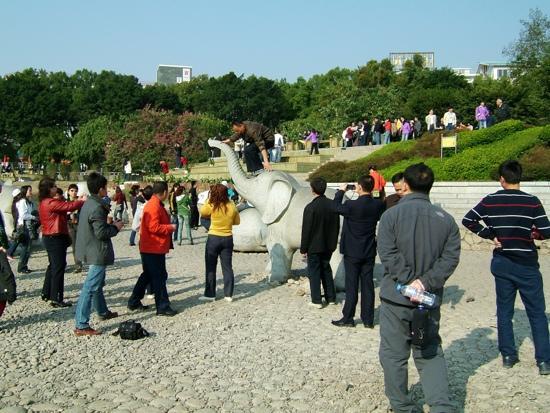 Xiangbishan Park : 桂林象鼻山公园
