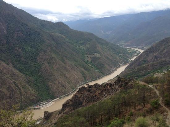 Shanghutiao Canyon : 徒步虎跳峡