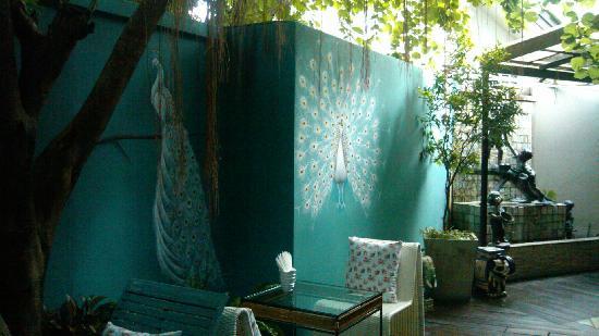 At Pingnakorn Hotel Chiangmai: 庭院
