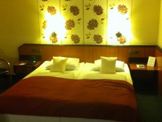 BEST WESTERN PLUS Delta Park Hotel: 大床