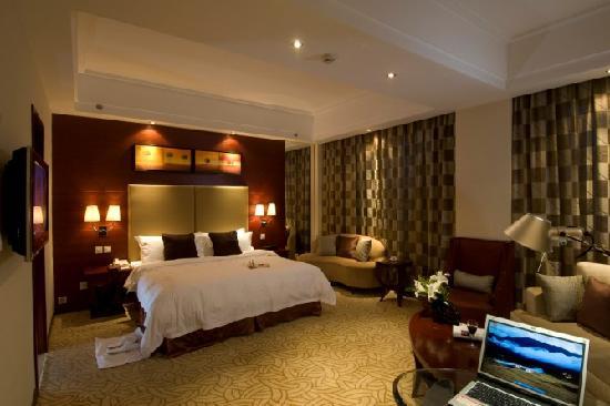Yilong Grand Hotel