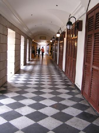 Murray House: 美利楼走廊