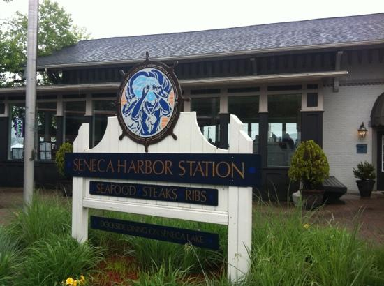 Seneca Harbor Station: station