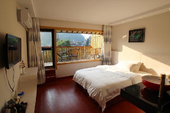 Best Eastern Hotel: 阳台大床房