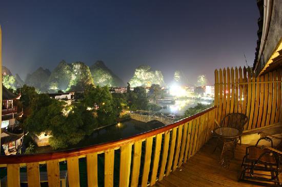 Best Eastern Hotel: 西街夜色