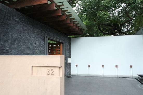 Villa 32: 门口