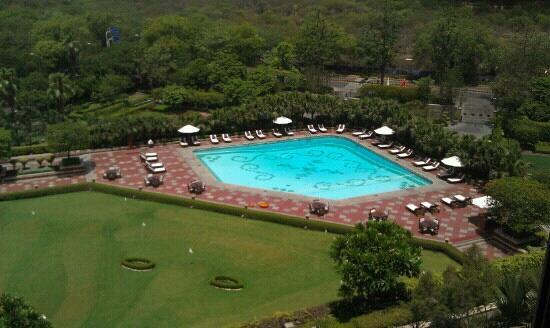 Taj Palace Hotel: 游泳池