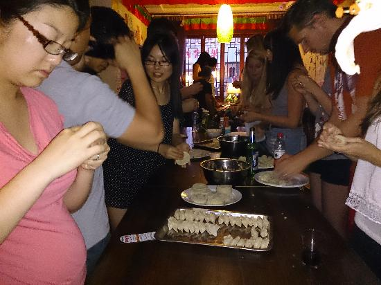 Mr.Panda Youth Hostel: 饺子宴