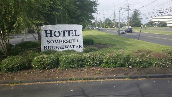 Hotel Somerset-Bridgewater: 标牌