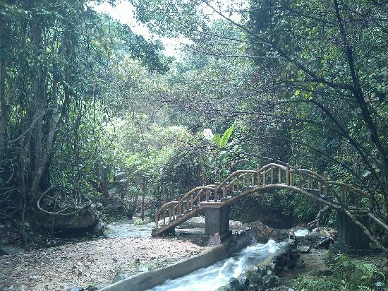Heyuan, Китай: 亲水路
