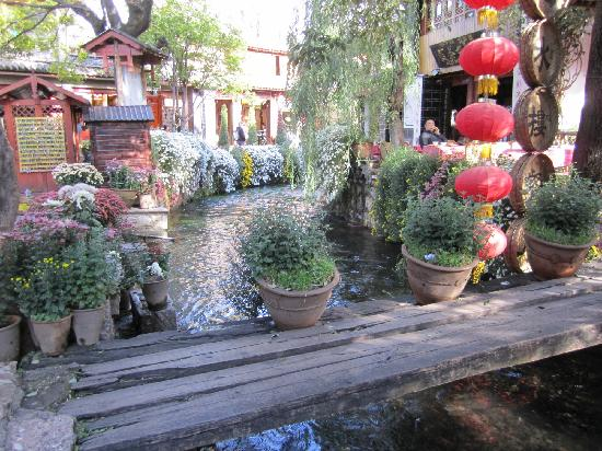 Lijiang One-day Private Tour Guide Yang: 小乔流水