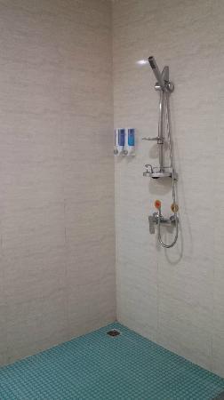 Jiahua Haiyi Hotel: 卫浴