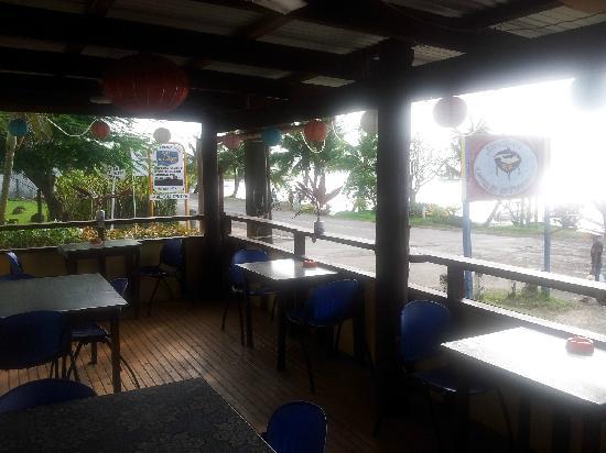 Savusavu Wok: 店外的座位