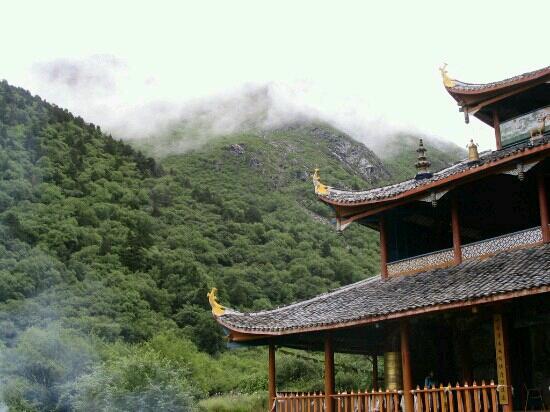 Huanglong Temple: 寺庙一角