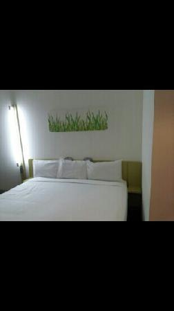 Ibis Budget Auckland Airport: 房间的床
