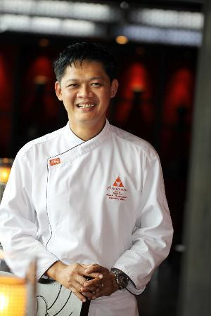 Baan Rim Nam Anantara : 拥有丰富泰菜经验的泰国行政总厨Anak