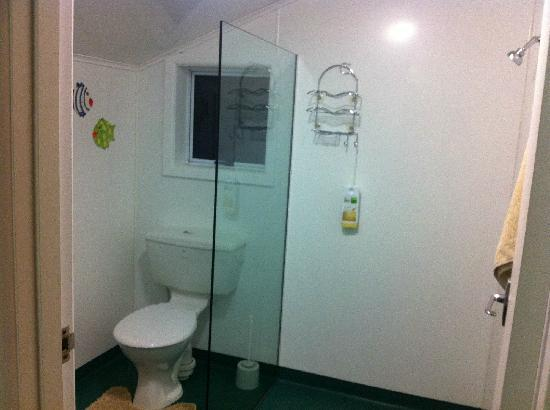Nugget Lodge: 厕