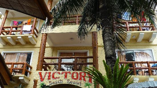 Victory Beach Resort: 酒店外景
