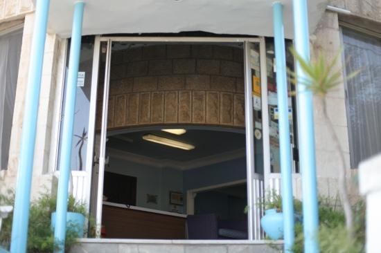 Caravan Hotel: caravan