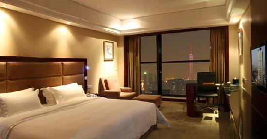 Day Sun International Hotel : 观景大床