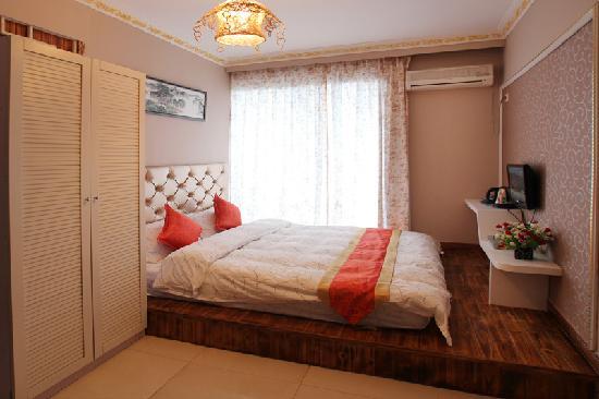 Jomo Inn Yangshuo: 普通大床