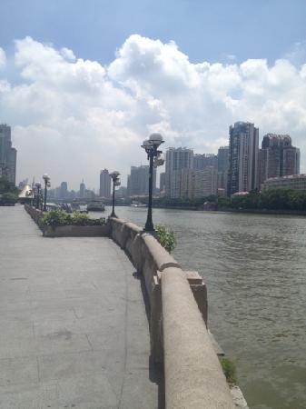 Pearl River (Zhujiang) : 白天的珠江