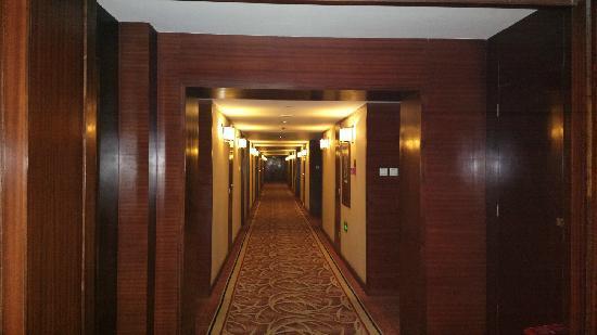 Xi Mei Business Hotel: 宾馆走廊