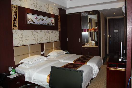 平凉嘉天厦酒店
