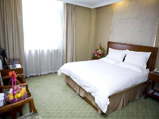 GreenTree Inn Shanghai Yanchang Road Business Hotel : 客房