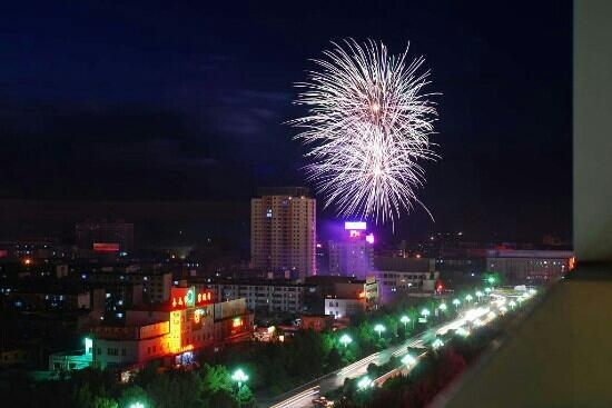 Kuitun, Kina: 奎屯夜景