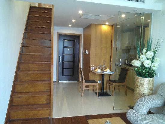 Lejiaxuan Creative Theme Serviced Apartments Qingdao Thumb Plaza: chufang