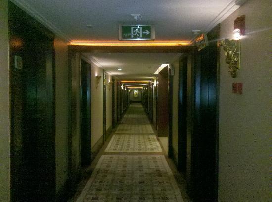 Guangzhou Grand International Hotel: 客房走廊