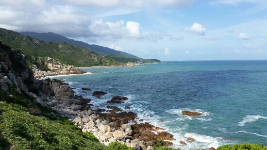 East Island and West Island: 深圳西涌