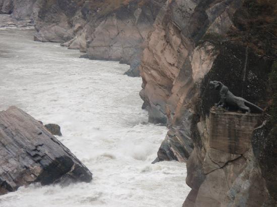 Shanghutiao Canyon : 上虎跳峡