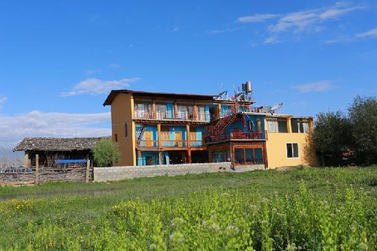 Shangri-La Maji Xiangrikui Hostel