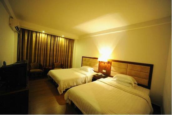 Longfeng Hotel