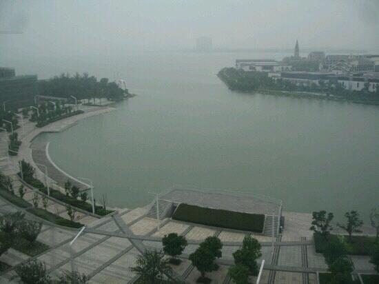 DuShu Lake: 朦胧的独墅湖