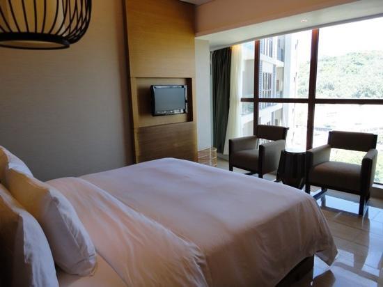 Phoenix Waterside Gloria Resort Sanya: 客房