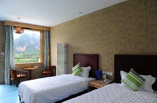 CTN Karst Inns: river & mountain view